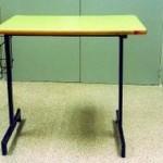 Mesa con parrilla lateral para silla de ruedas