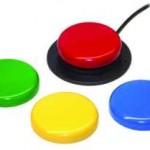 Pulsador redondo con retroalimentación tanto táctil como auditiva. Carcasas de 4 diferentes colores fácilmente intercambiables para poder personalizarlo o adaptarlo a la actividad que se esté realizando en ese momento.